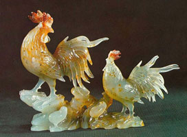 Петухи (Резные фигурки из агальматолита)