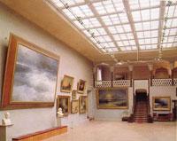 Выствочный зал галереи Айвазовского