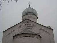 Пояски на храме Димитрия Солунского